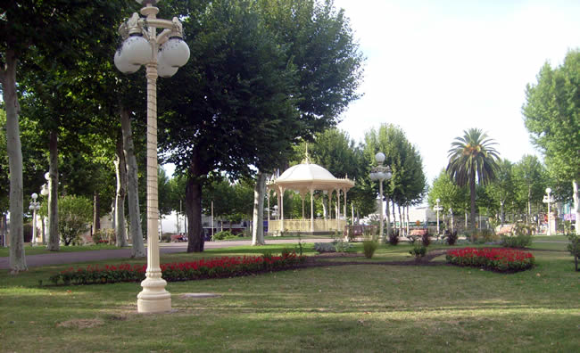 Atractivos de Fray Bentos - Plaza Constitución