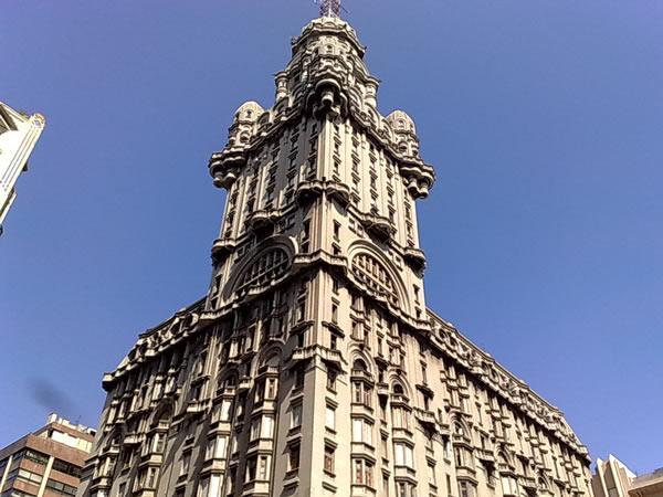 Palacio Salvo en Montevideo