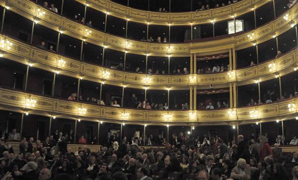 Sala del Teatro Solís en Montevideo