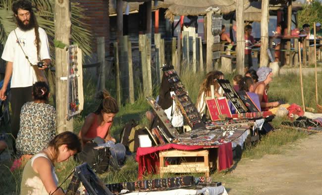 Artesanos en Barra de Valizas